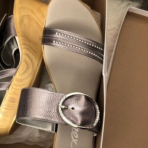 New In Box- Onex Cynthia Wedge sandals